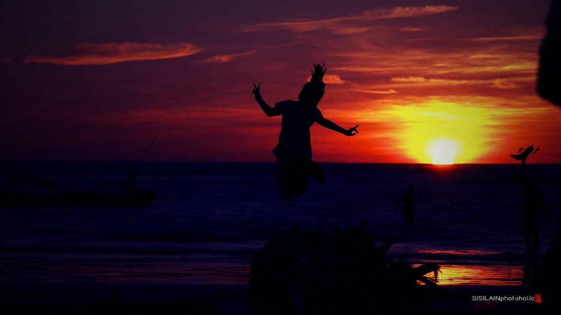 """"""" Let Us Make Peace Guys.. """" ========================  #lomoeffect #children  #workout #silhoutte #travel #beach #beachphotography #photography"""