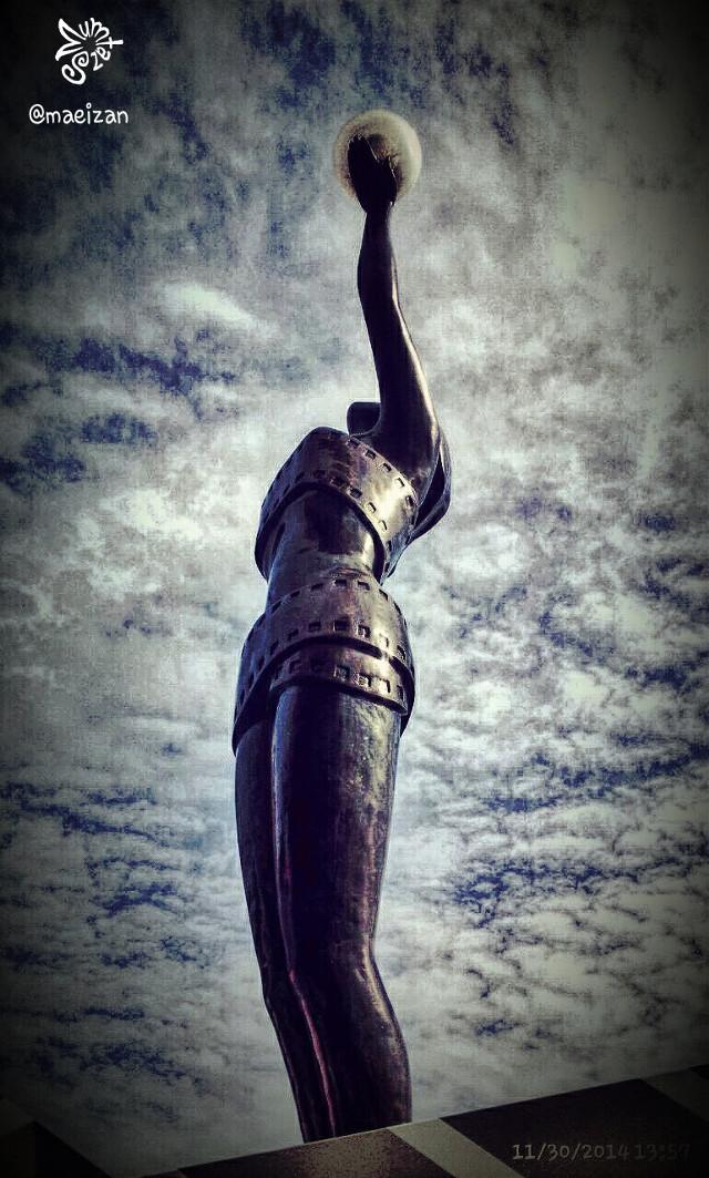 #statue #vintage #hongkong #sky #memories Have a great week