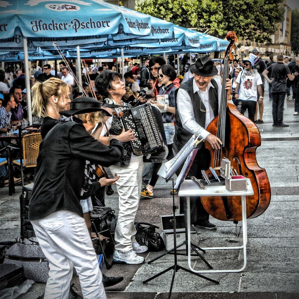 Munich. Street musicians  #colorful #colorsplash #emotions #hdr #music #people #photography #summer #travel