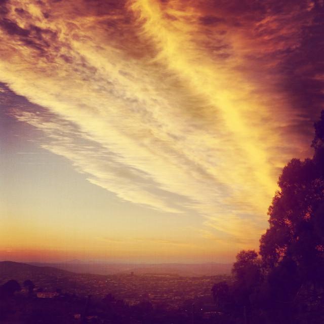 San Diego sunset. #sd #summer #sunset #clouds #americasfinestcity #sandiego #california #hilltop #hilltopview #skyline #views  #freetoedit