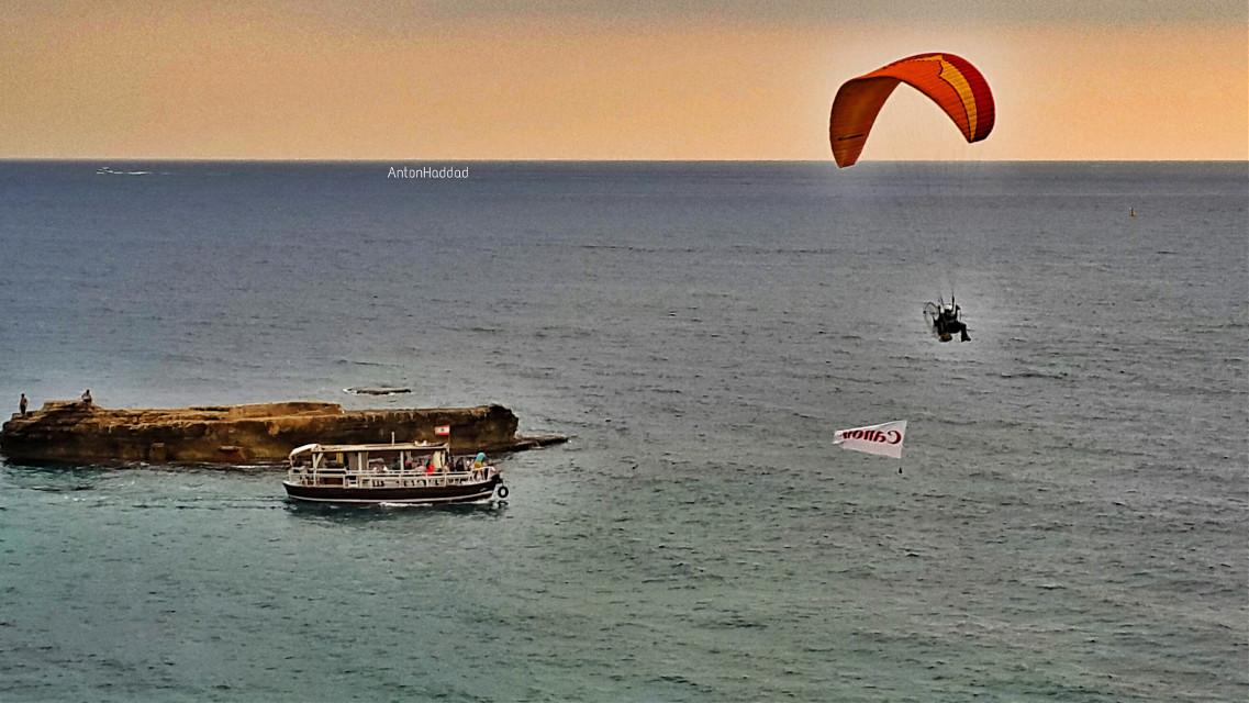 Today's shoot - paragliding 😅 #paragliding #goldenhour #sea #boat #horizon #reef #beach