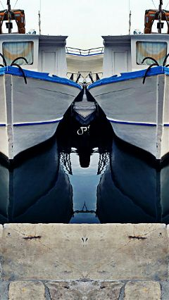 distorted boat sea blue taranto