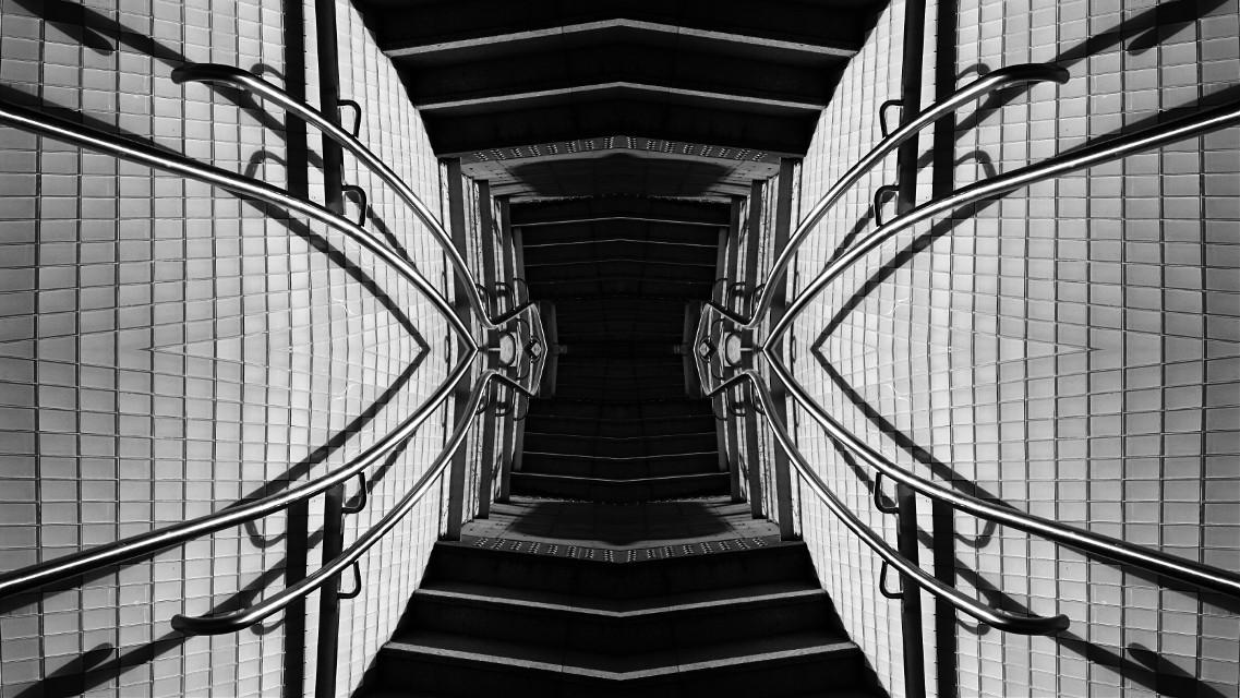 #mirrored #mirrormania #distorted